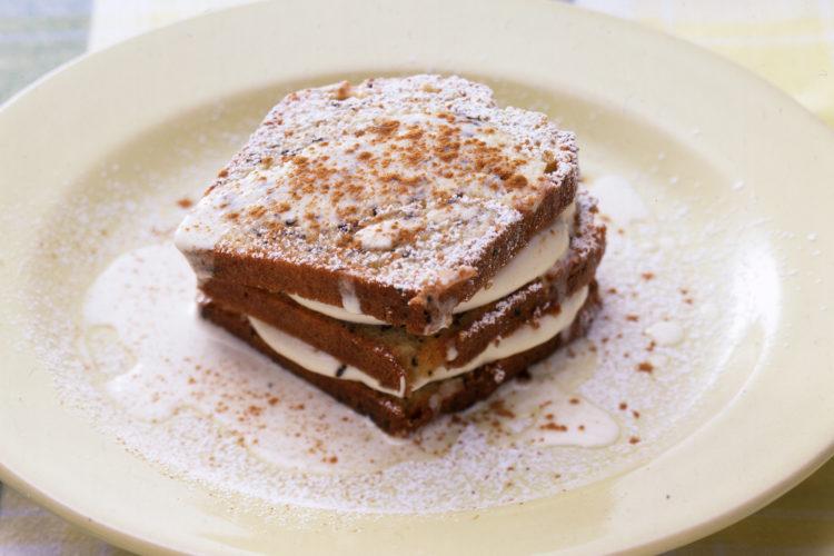 ごまクリームケーキ