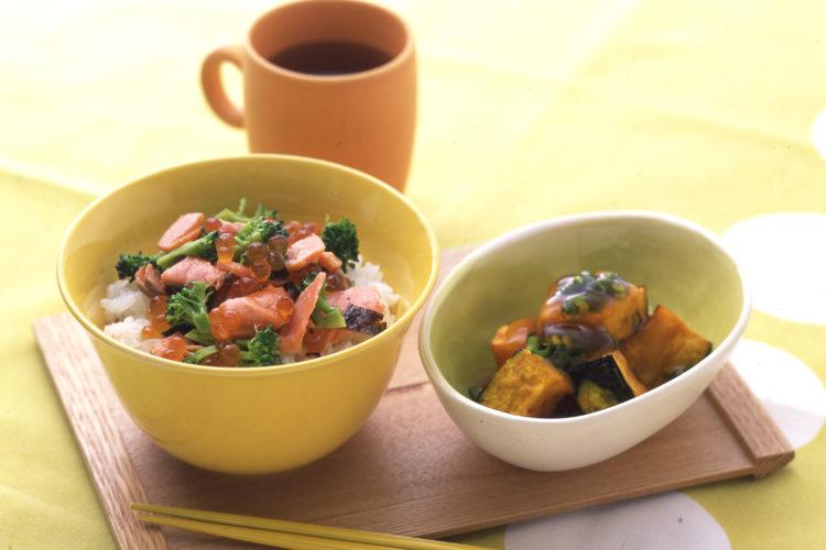 鮭いくら丼とかぼちゃの素揚げ