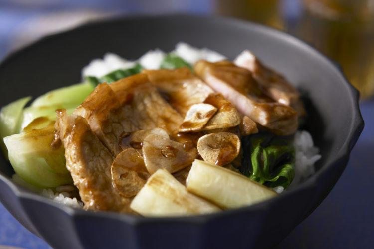 中華風トンテキ丼