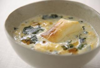 豆乳わかめスープ雑煮