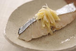 ふっくら、ごま油香る・蒸し魚