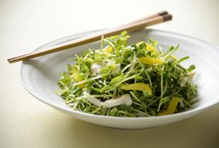 豆苗(とうみょう)のごまレモンサラダ