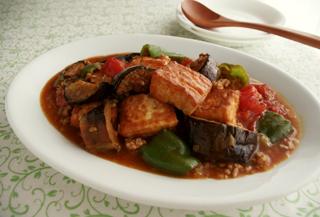 厚揚げと夏野菜のピリ辛炒め