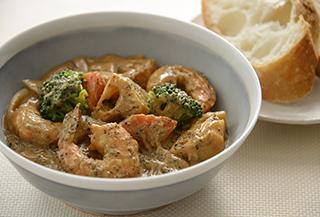 えびと根菜のごまカレー煮