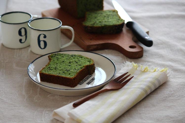 ほうれん草と黒ごまのパウンドケーキ