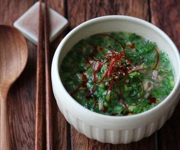たっぷり小松菜の翡翠ごまスープ