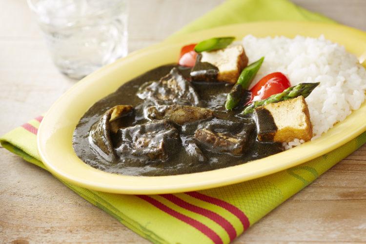 厚揚げと野菜のねりごま黒カレー