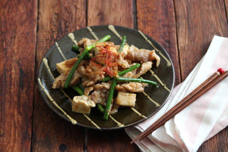 肉豆腐のピリ辛香味炒め