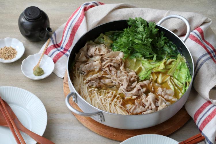 豚キャベツのごま油鍋