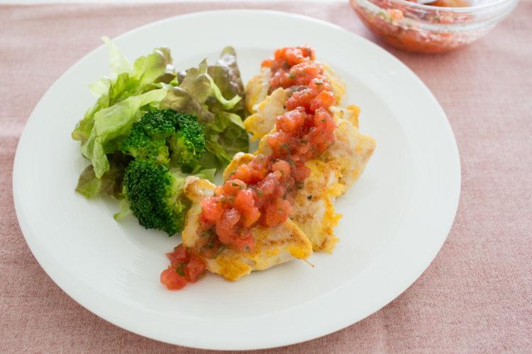 鶏むね肉のピカタ 青じそトマトダレ
