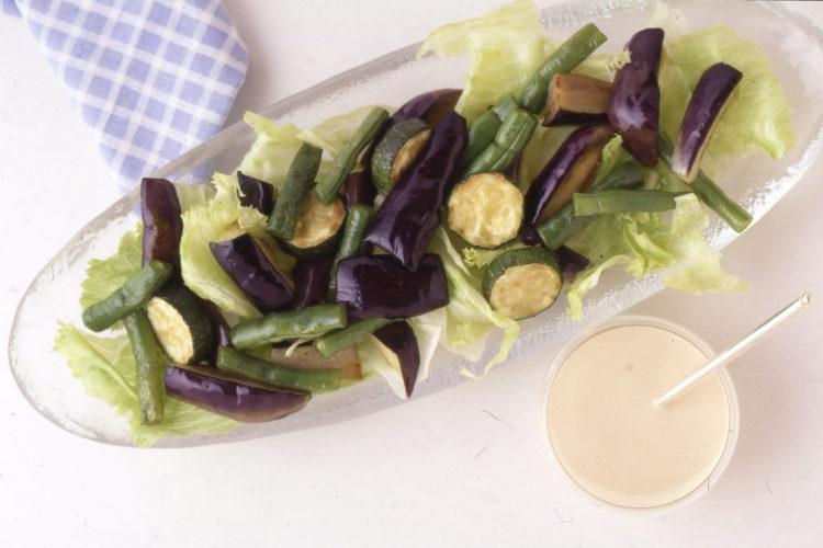 夏野菜のごまネーズ