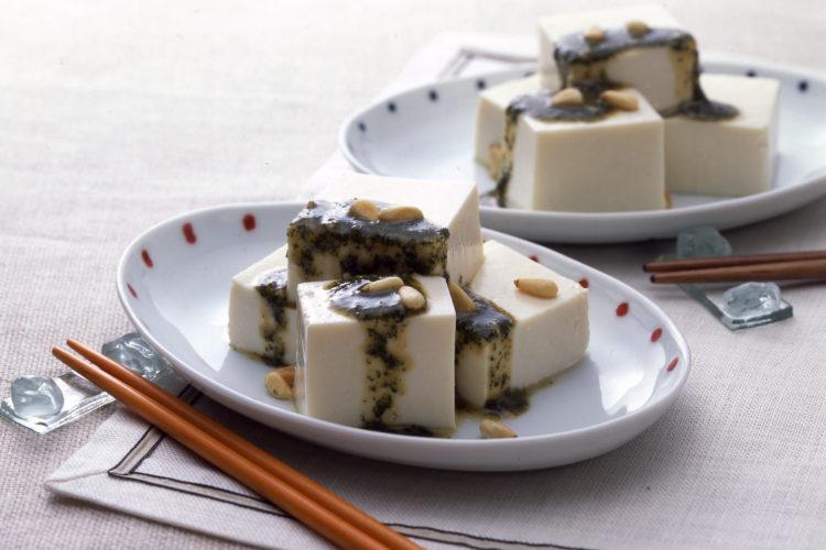 豆腐の和風ジェノベーゼソースがけ