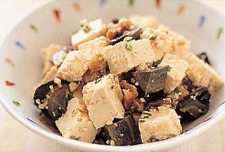 ごま風味のピータン豆腐