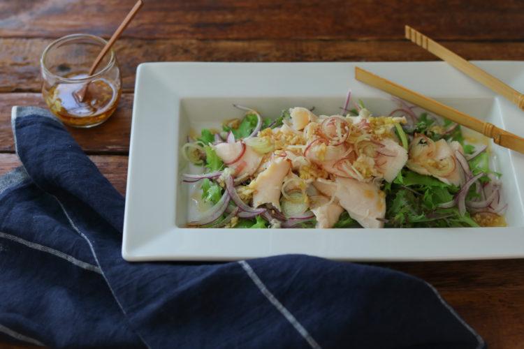 しっとりゆで鶏のねぎドレッシングサラダ